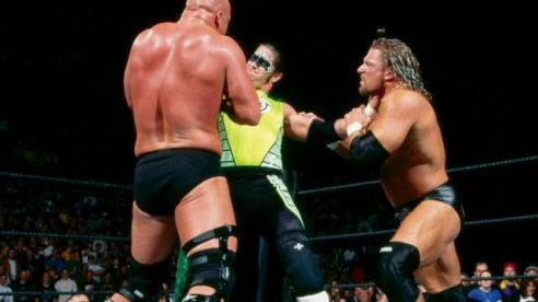 royal-rumble-2002-hurricane-austin-triple-h