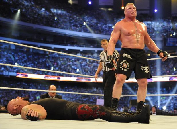 brock-lesnar-vs-undertaker-2